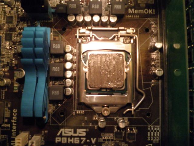 CPUグリス塗る52